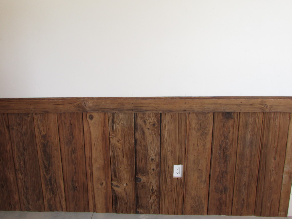 An example of wainscot that we installed